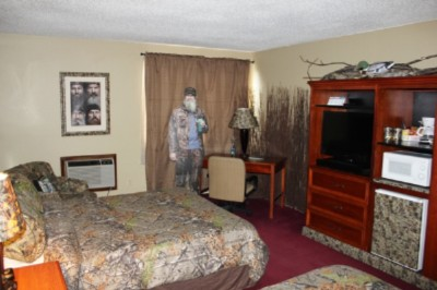 Newly Renovated Room With Two Queen Beds 3 of 12