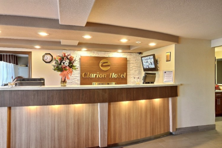 Front Desk 5 of 26
