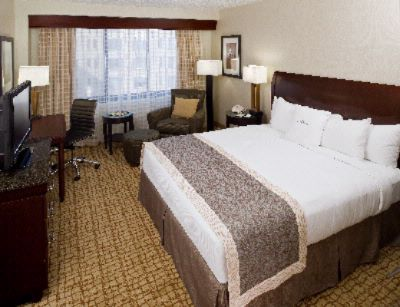Doubletree Washington King Bed 3 of 9