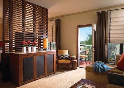 Fairmont Gold Guestroom 8 of 16