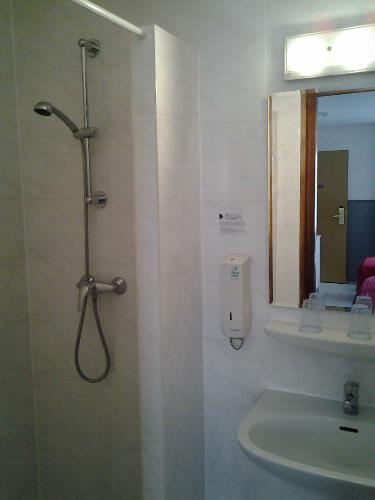 Bathroom 17 of 31