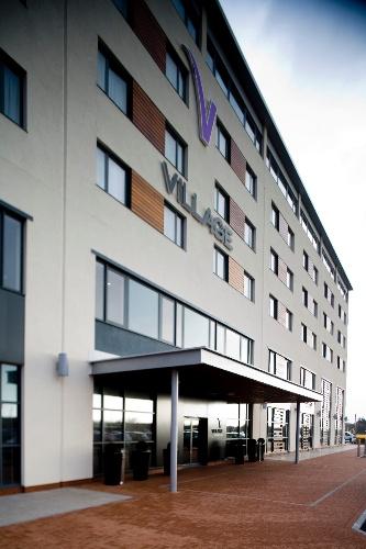 VILLAGE HOTEL SWANSEA Swansea Langdon Rd Sa1 Waterfront SA18QY