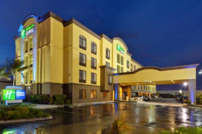 Holiday Inn Express Sfo North 1 of 4