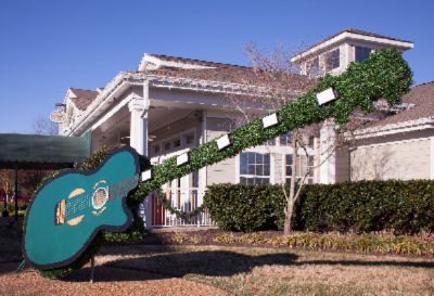 Enjoy Music-Themed Decorations Throughout 19 of 21