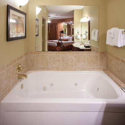 Whirlpool Tub Suite 4 of 21