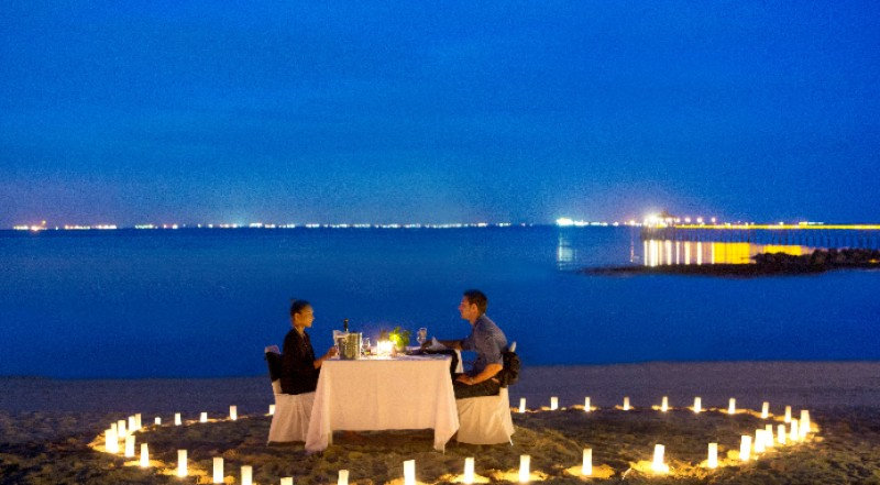 Beachfront Romantic Dinner 19 of 31