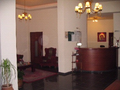 Reception Area 7 of 18