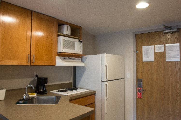 Guest Room -In-Room Kitchenette 6 of 10