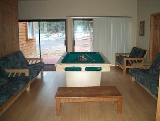 Billiard Room With 50in Flat Screen/dvd/vcr. 9 of 9
