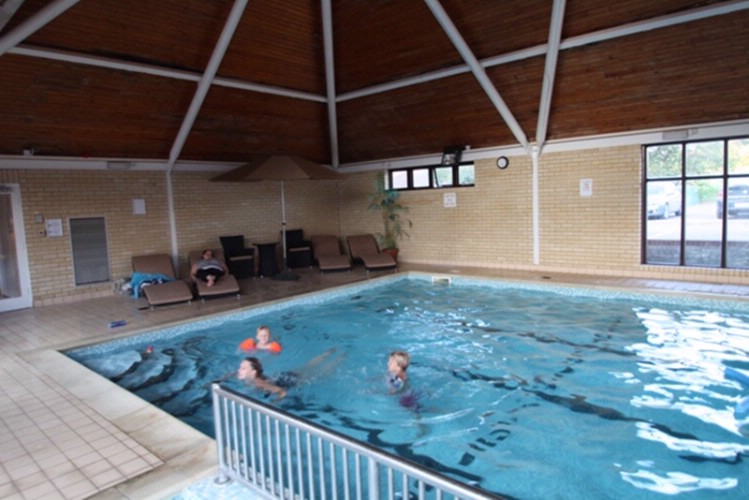 Indoor Swimming Pool 14 of 16