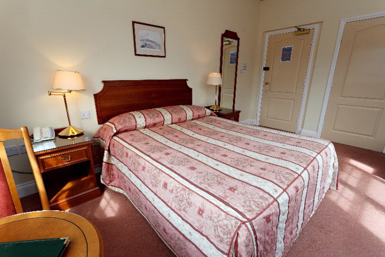 Deluxe Bedroom 6 of 16