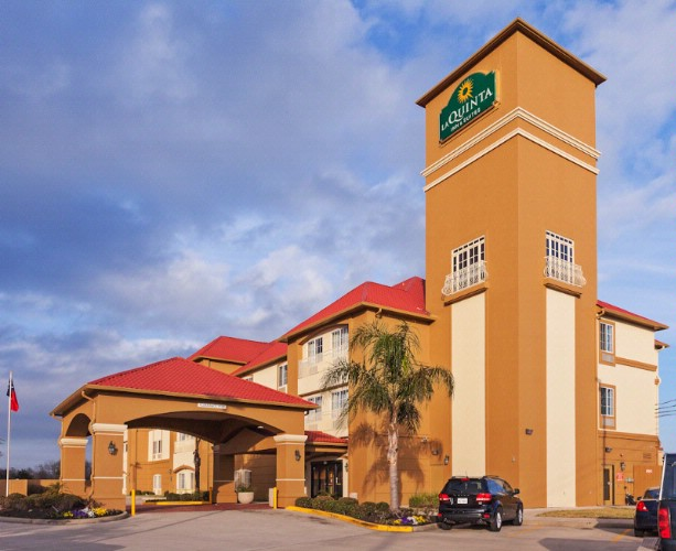 Image of La Quinta Inn & Suites Houston Hobby Airport