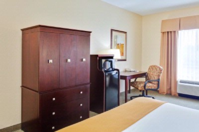 Holiday Inn Express & Suites Athens Al 5 of 9