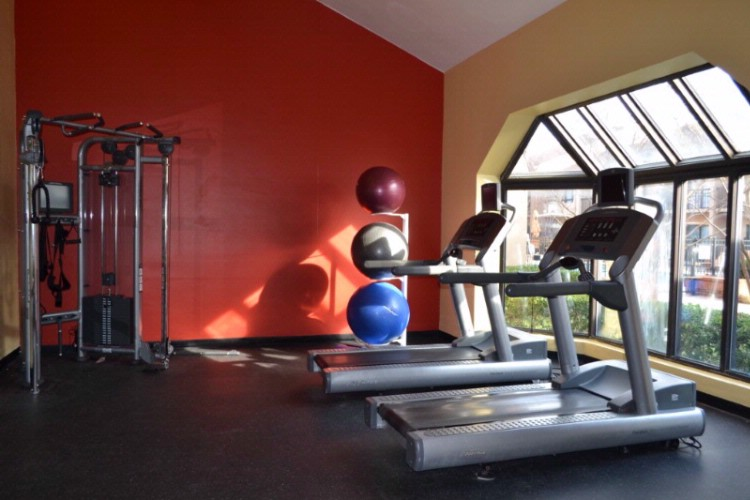 Stay In Shape On The Road In Our State-Of-The-Art Fitness Center. We Have A Broad Range Of Cardiovascular Equipment And Free Weights. 6 of 11