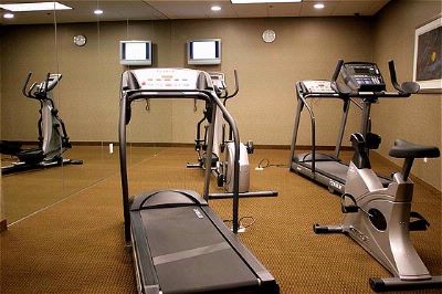 Fitness Center Complimentary 6am-11pm Daily 8 of 16
