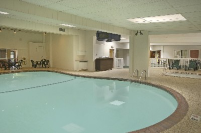 Indoor Pool Whirlpool And Sauna 3 of 5