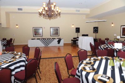 Shores Banquet Space 4 of 8