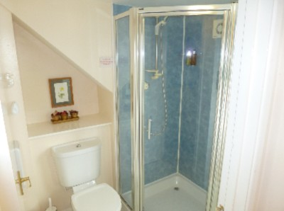 En Suite Shower Room 11 of 31