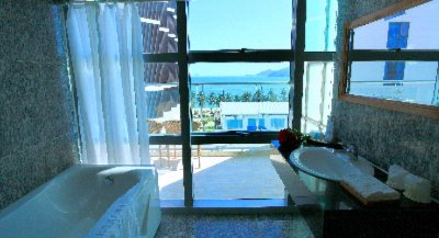 Premier Suite Seaview Bathroom 8 of 9
