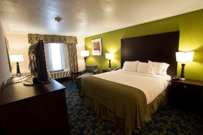 Relax And Be Yourself In One Of Our Comfortable Guest Rooms. 8 of 9