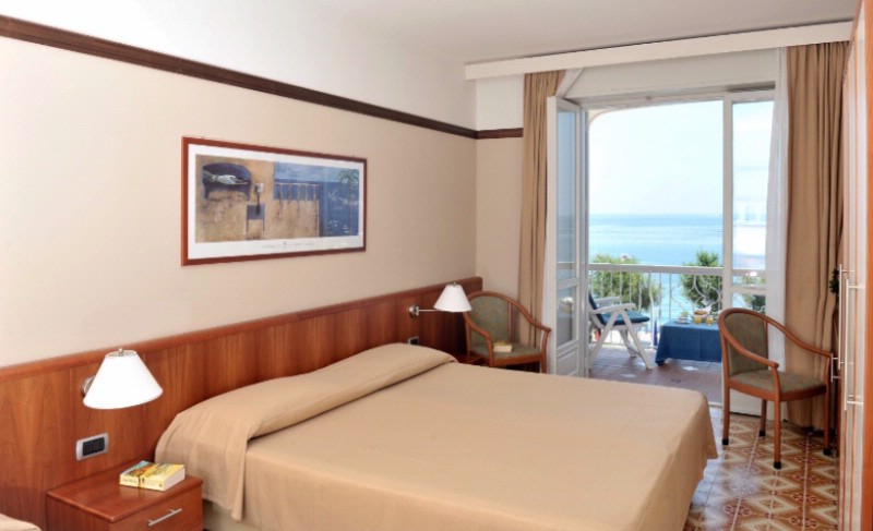 Hotel Pietra Di Luna Superior Double Room 8 of 16