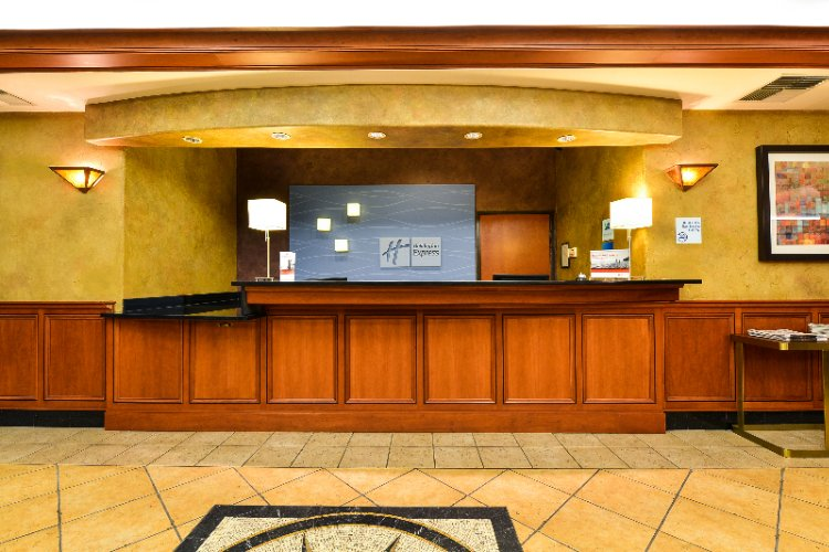 Holiday Inn Expresssalmon Creek Lobby Front Desk 3 of 16