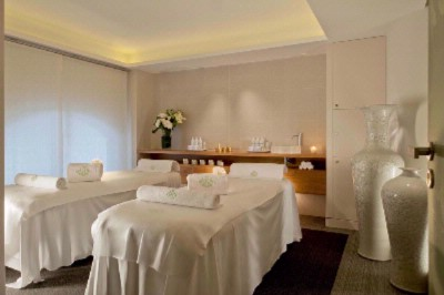 Spa Valmont For Le Meurice 21 of 31