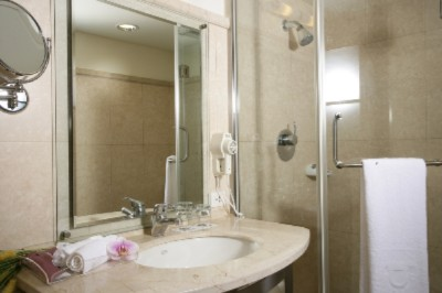 Bathroom 15 of 15