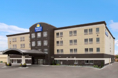 Days Inn & Suites Winnipeg Airport 1 of 10
