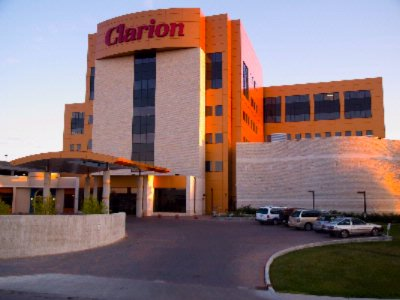Clarion Lobby 2 of 15