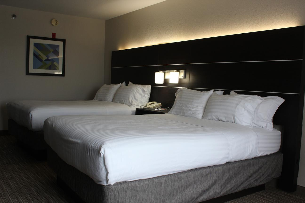 Two Queen Bed Rooms Are Great For Families! 10 of 12