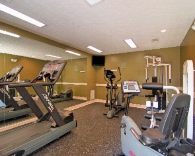 Fitness Room 17 of 18