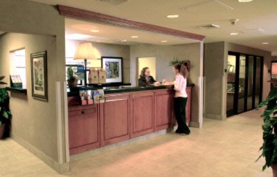 Hampton Inn Front Desk 6 of 6