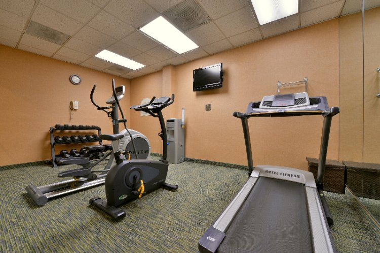 Fitness Room 9 of 14