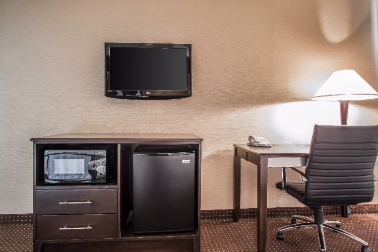Complimentary Refrigerator And Microwave All Rooms 19 of 31