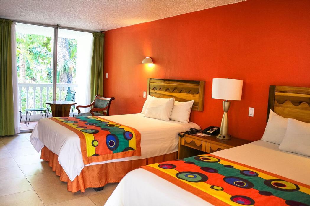 Le Plaza Hotel 10 Rue Capois Champ De Mars Port Au Prince 509