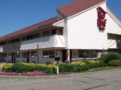 Red Roof Inn Canton 5353 Inn Circle Court Nw N. Canton OH 44720