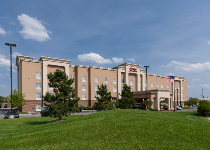 Hampton inn suites davenport ia 5290 utica ridge rd for 5 star salon davenport ia