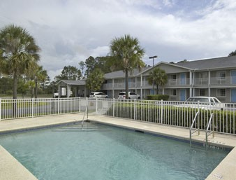 Travelodge Suites Macclenny 1 of 7