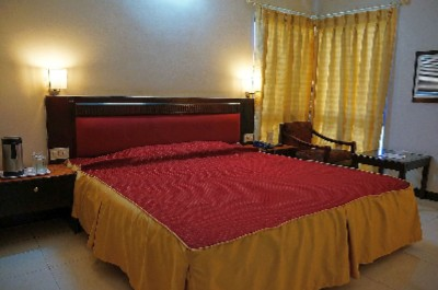 Executive Room Double Bed 6 of 8