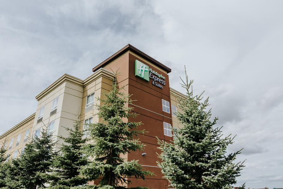 Holiday Inn Express & Suites Spruce Grove 1 of 12