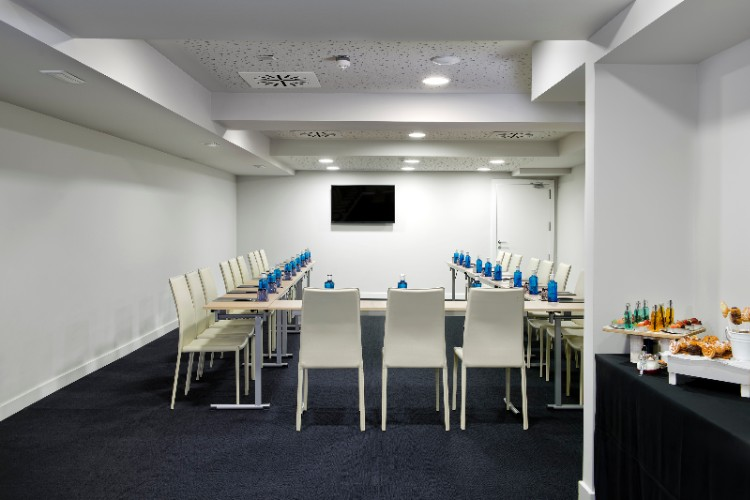 Meeting Room 8 of 13