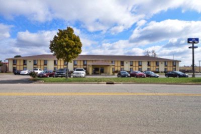 Americas Best Value Inn Morton 3 of 11