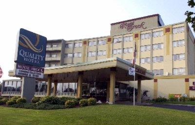 Quality Hotel Royal Brock Conference Centre Spor Brockville On 100 K6v4w3