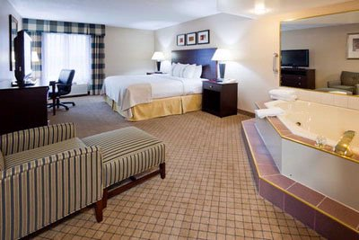 Holiday Inn & Suites Wausau Rothschild 1 of 4