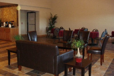 Lobby/breakfast Area 3 of 7