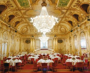 Hall Of Mirrors Meeting Room 3 of 11