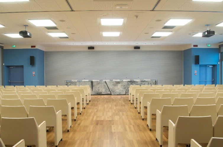 Sala Auditorium 4 of 9