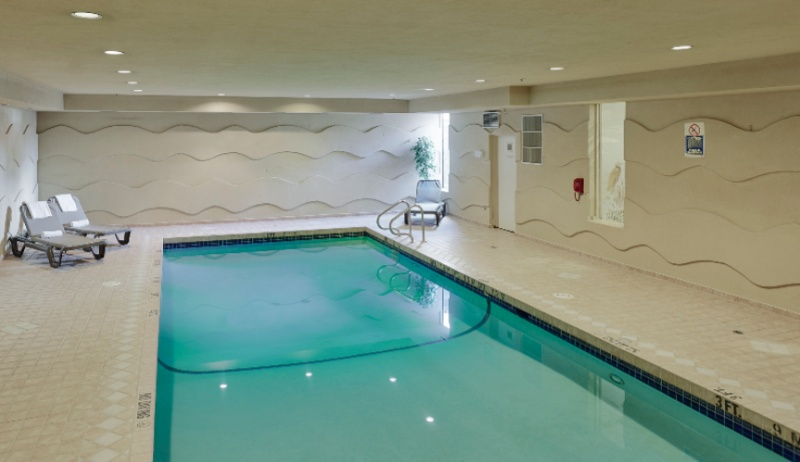 Indoor Swimming Pool 8 of 15