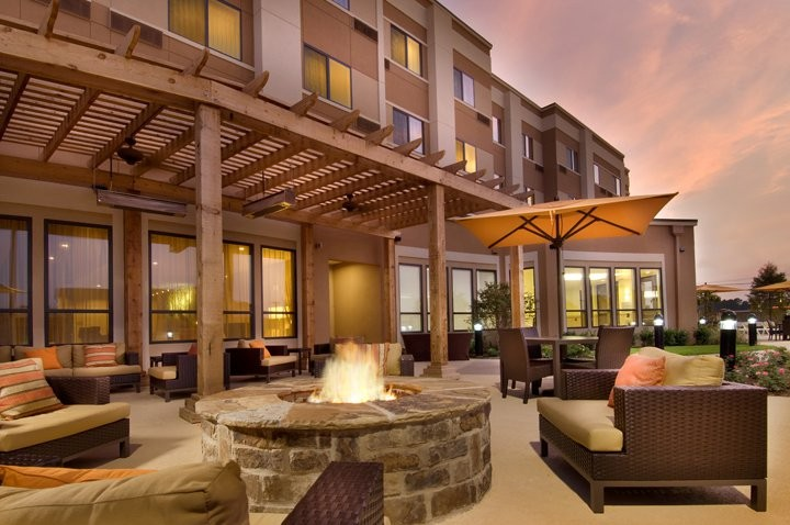 Courtyard Patio & Firepit 6 of 11